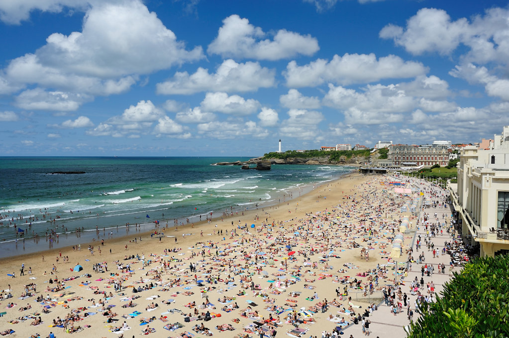 Where's Waldo - Grand Beach in Biarritz, France