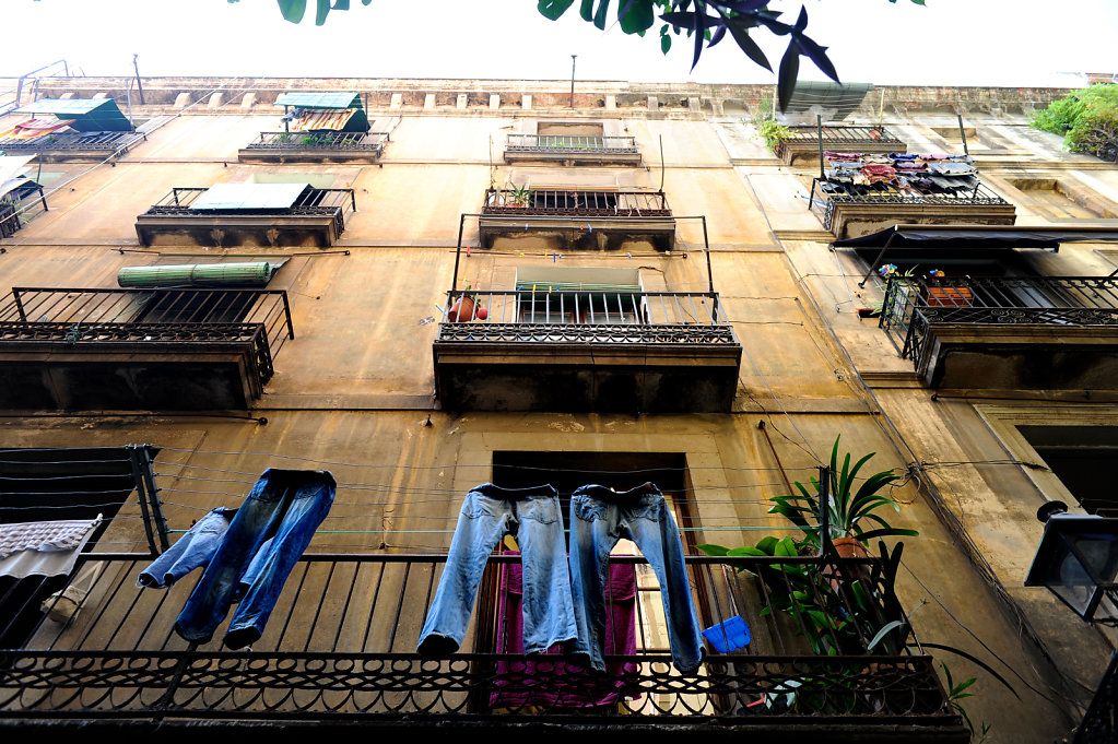 Under the balconies - Series 1/2 - Barcelona, Spain