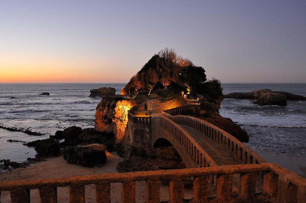 Wedding proposal, The rock of Basta - Biarritz, France