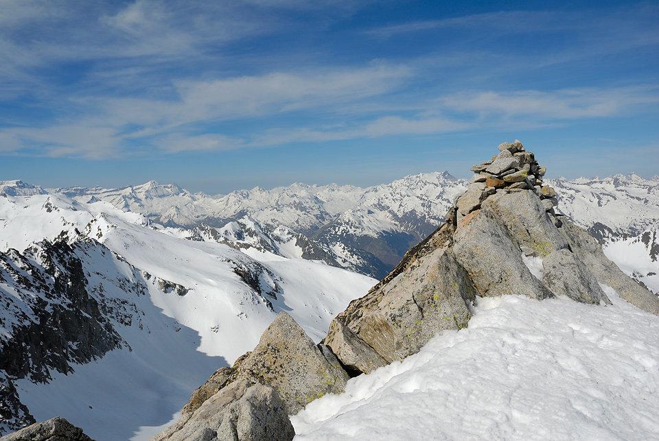 Le Pic de Néouvielle - Sommet -3091m- 03/05/2008 - Pyrénées -FRANCE