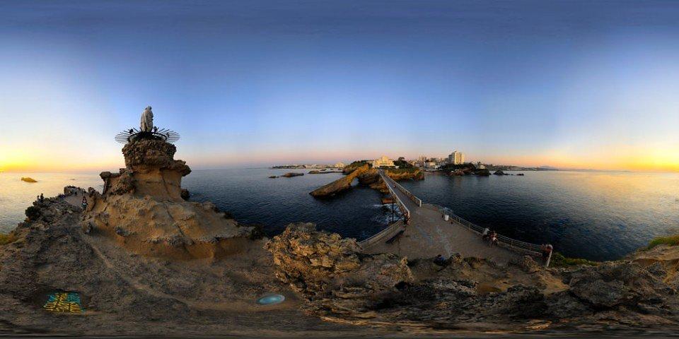 Le Rocher de la Vierge - Biarritz - FRANCE